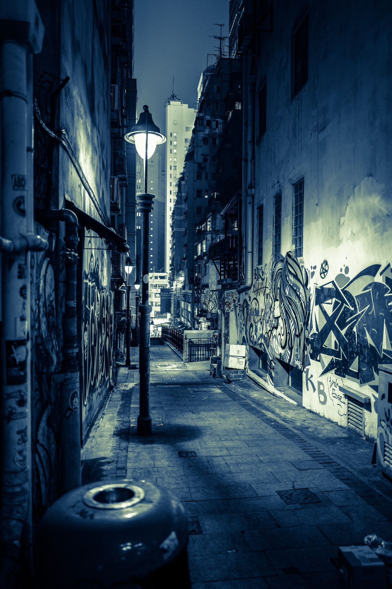 alley at central EyeEmNewHere Nightshooters City Life Cityscape Reflections Life In Motion Hello World Hklocals Shadows & Lights Taking Pictures Moments Of Life EyeEm Gallery From My Point Of View Walking Around Travelling Photography Discoverhongkong EyeEm Masterclass Night Photography Lifestyles Hkiger Leicashooters Madeinwetzlar Leicaq Leicacamera Streetphotography