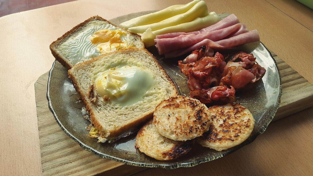 Huevos Huevos En Nido Huevos Y Panceta Huevosalhorno Egg Arts Eggtart Breakfast Bacon Panceta Desayuno My Favorite Breakfast Moment