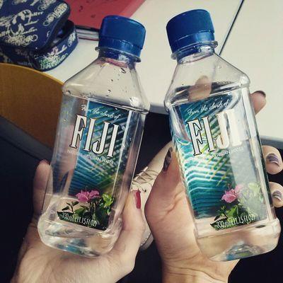 Fiji FijiWater Water FeelingHEALTHY