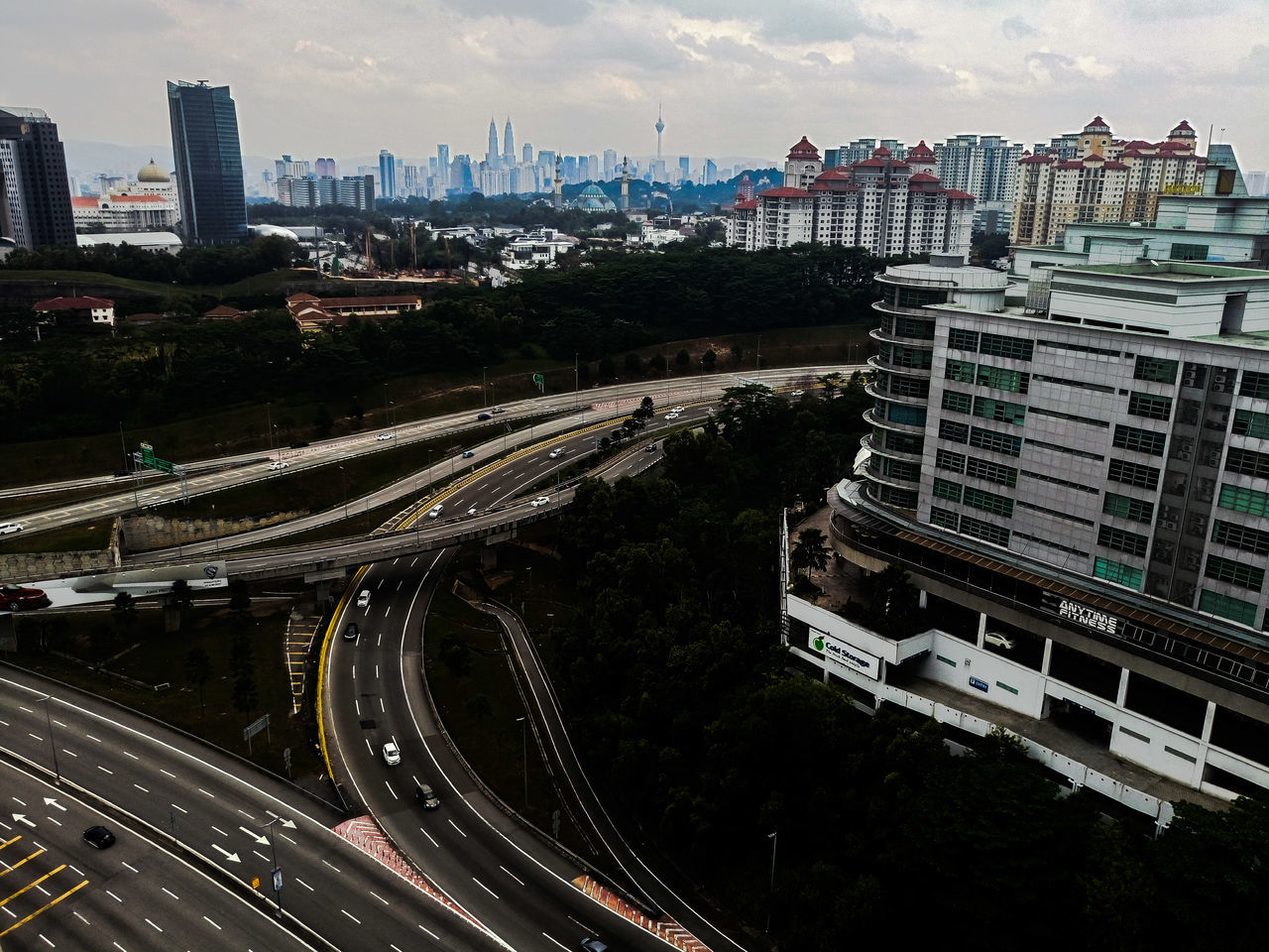 Highway Photography City View  City Street Lonely Street Engineering Highways&Freeways High Angle View Highway_collection Streetphotography Street Life KLCC Twin Towers KLCC Tower KLCC Park Klcity at Kuala Lumpur City Center