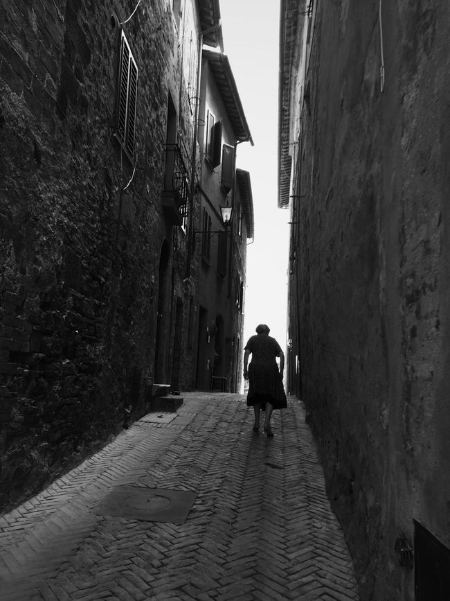 Silhouette Monochrome Shootermag Tuscany EyeEm Best Shots Streetphotography Bw_collection Streetphoto_bw