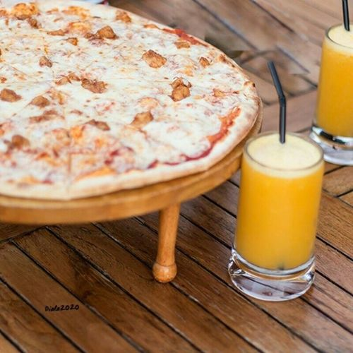 تصويري  الناس_الرايئه غداء بيتزا like like4like TagsForLikes photooftheday bestoftheday me l4lfollowlunch