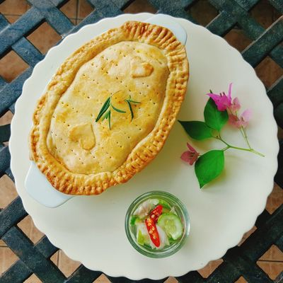 EyeEm Selects curry pot pie Food Plate Baked Food And Drink Homemade Snack Event Appetizer Tart - Dessert Ready-to-eat Gourmet Pot Pie Curry Pie Indian Food Chicken Meat Healthy Food