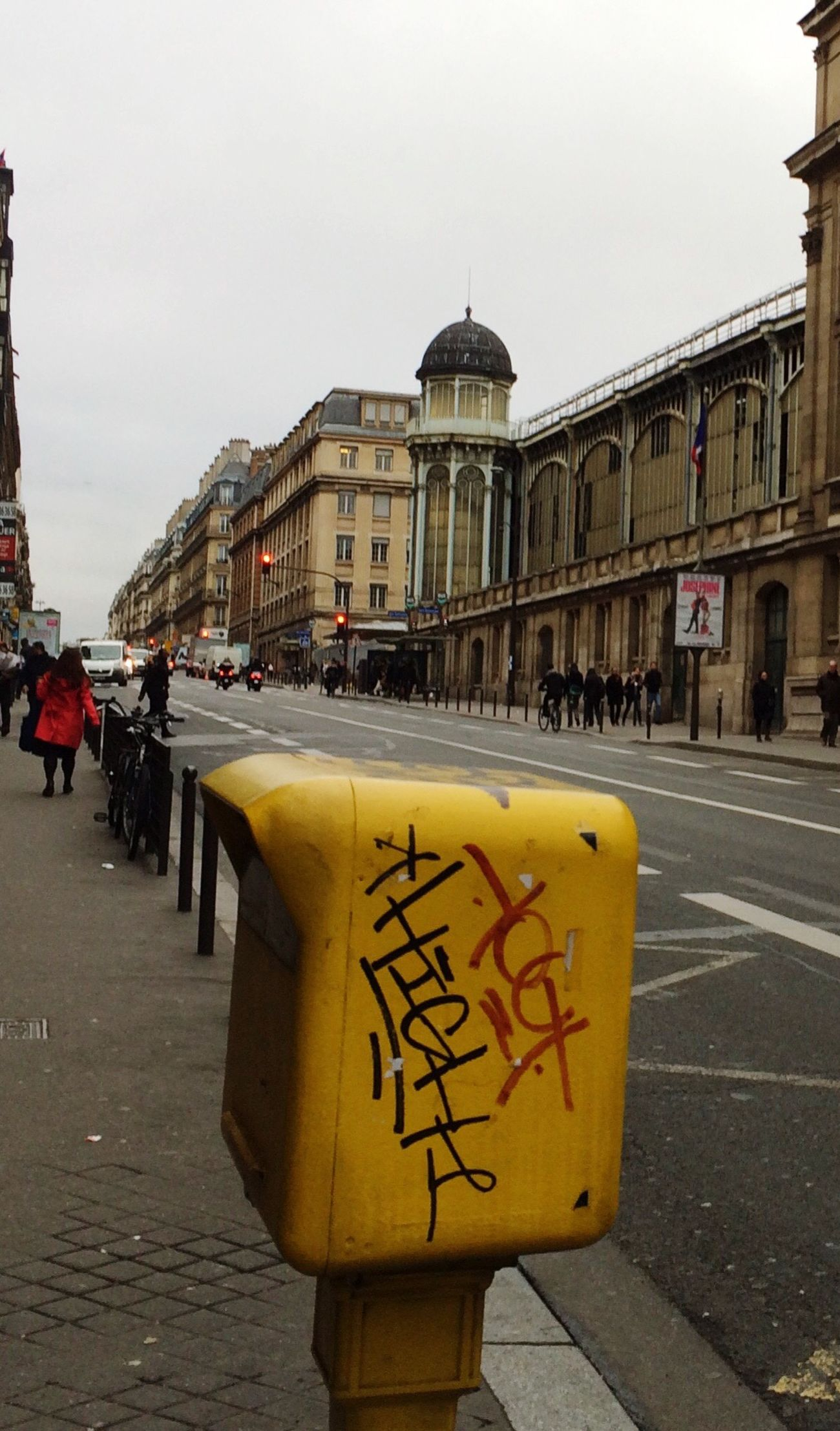 Paris 9e Street Life Grey Sky Pavement Letterbox Tag Architecture