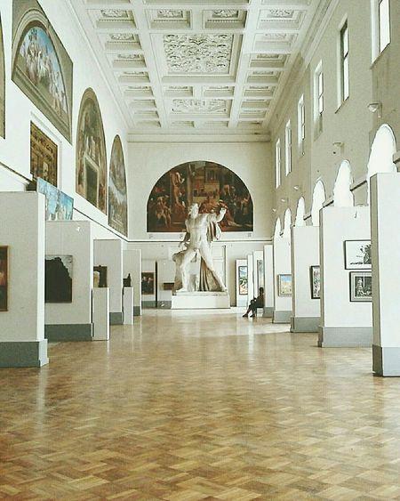 Visiting Museum Academyofart Statue Saint Petersburg