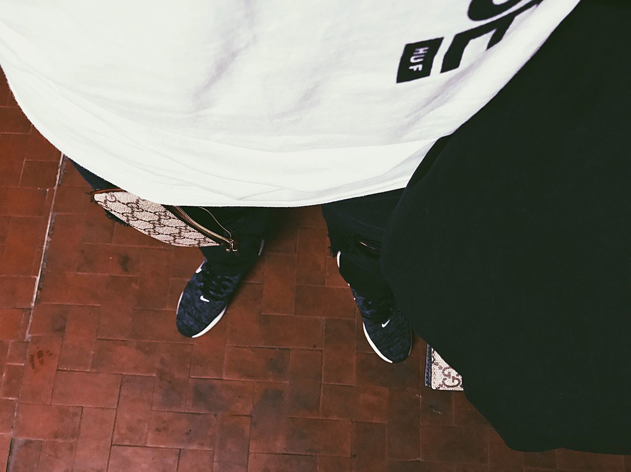 GUCCI Lifestyles Style Huf Nightphotography Light And Shadow Tee Portrait Light Nike Shoes Legs Pants Clothes