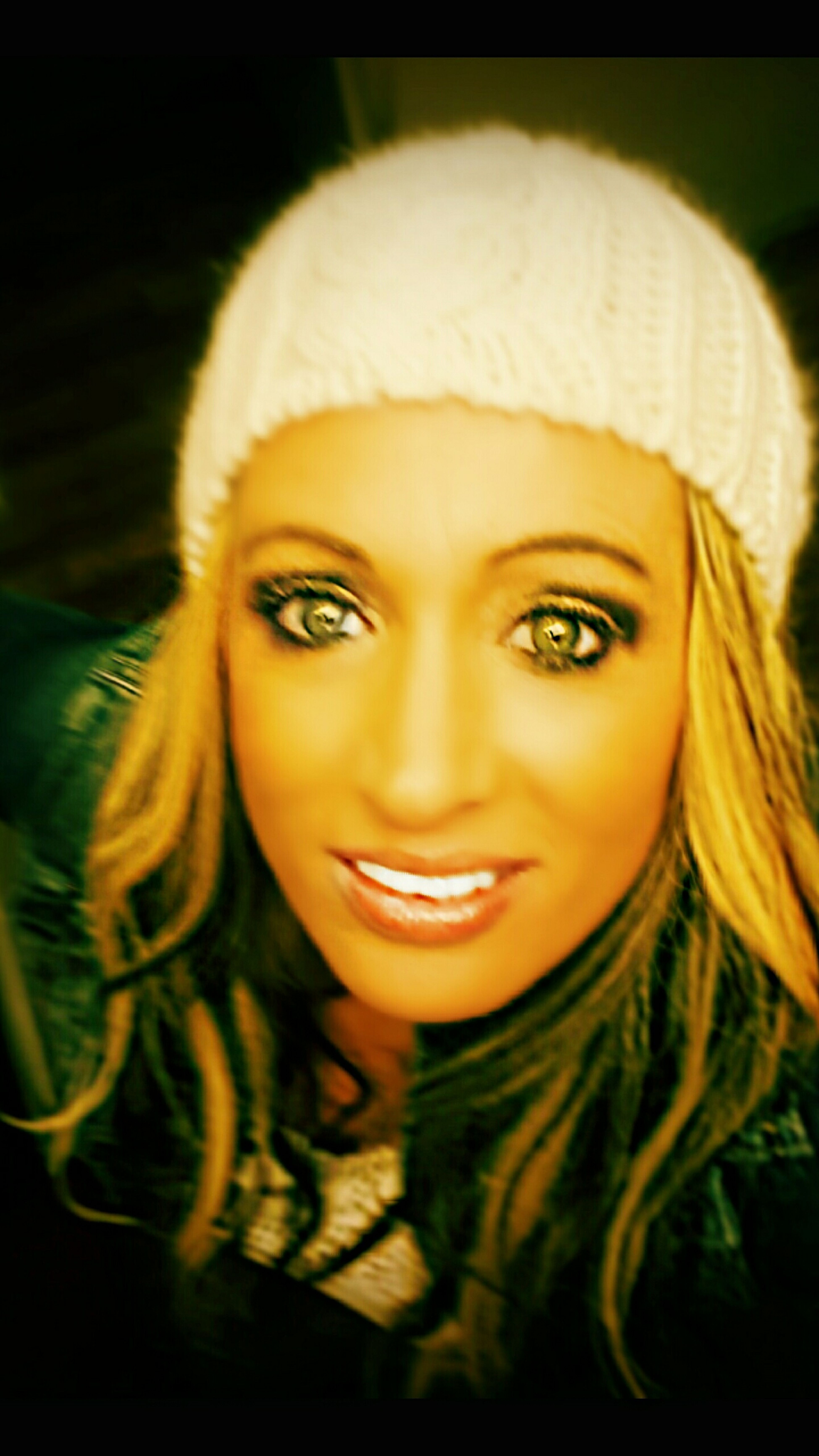 Hanging Out Cheese! Relaxing Dreamer Girl Green Eyes My Lips ♥