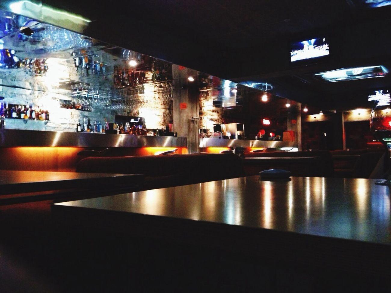 В ночном клубе Mini Bar Attack