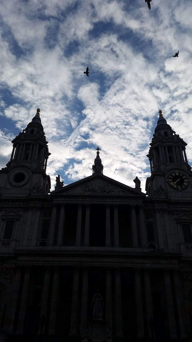 St Pauls Cathedral Cathedral London London Photography LONDON❤ Londonlife London Tourism Sky Sky And Clouds Silhouette Silhoutte Photography City Of London City Of London Tourism