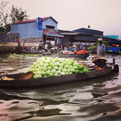floating market at Vietnam by Jun Suzuki