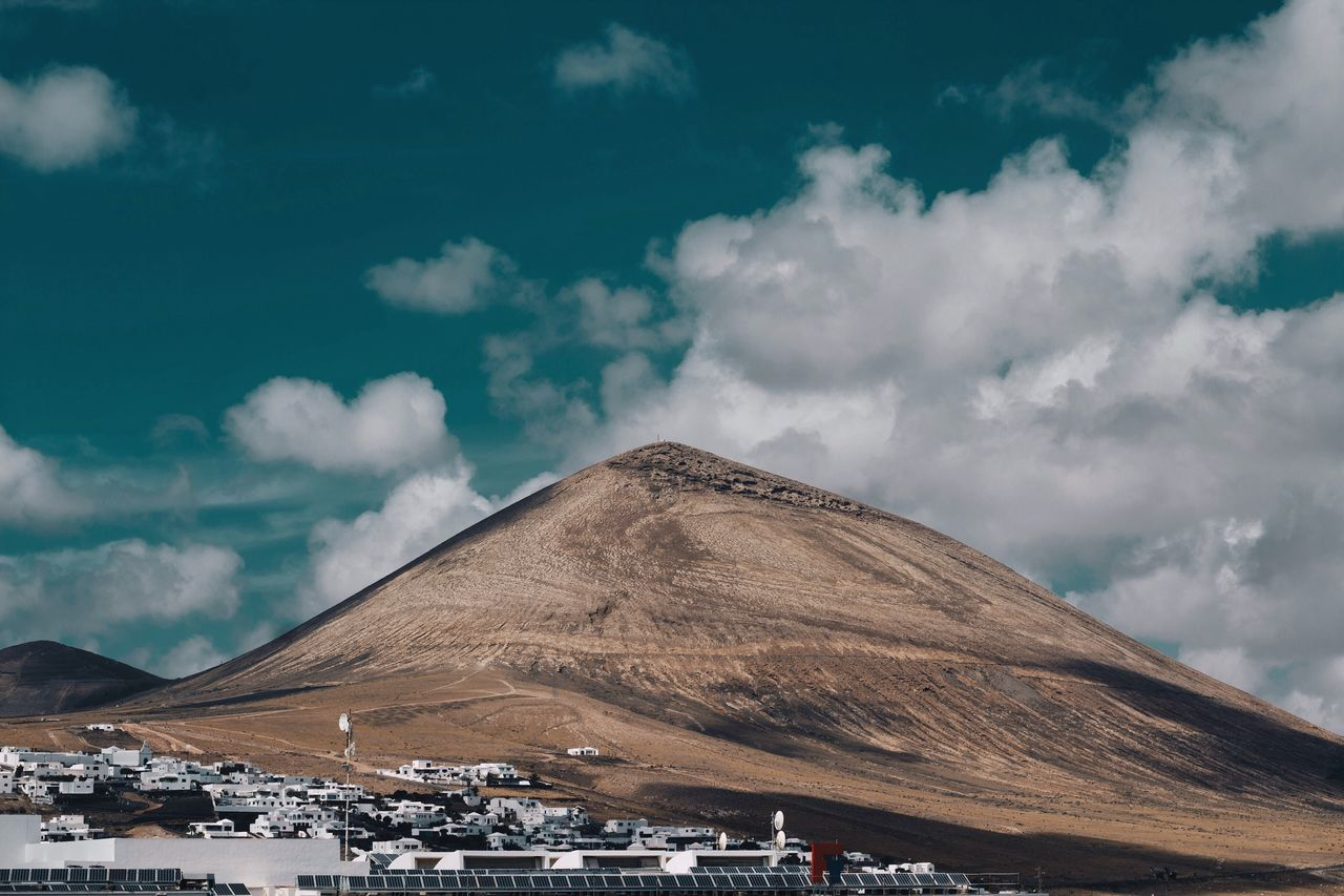 Highest point on lanzarote. Cloud - Sky Sky Day Outdoors Built Structure Nature Mountain No People Scenics Architecture Landscape Beauty In Nature Lanzarote Montaña Blanca Landscape