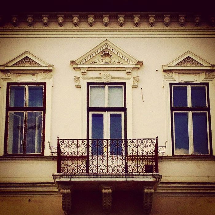 Ig_magyarorszag Loves_hungary Window Balcony Ornaments Building Nyiregyhaza Mik Street Shot Sajatkep Instagram Wallart Architecture Loves_architecture Loves_windows Art Urban Myphoto Vscohungary VSCO Ig_hun