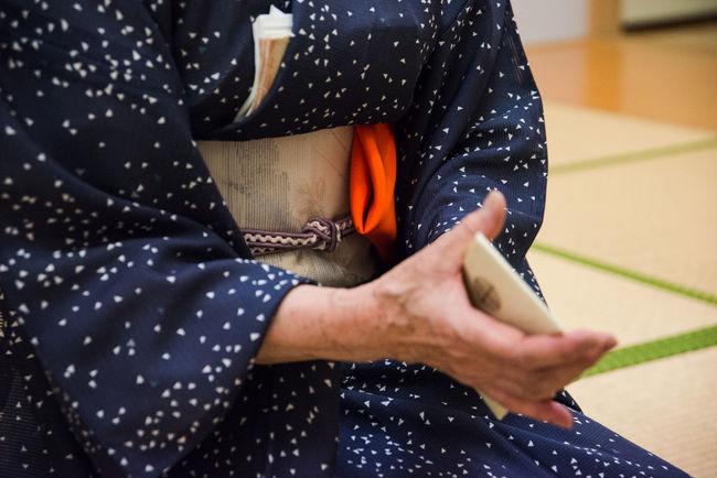 Close-up Hands Japan Japanese Culture Kimono Leisure Activity Lifestyles Obi Obijime Obijime Knot Selective Focus Tea Ceremony Tea Ceremony Sensei Traditional Clothing Traditional Culture Unrecognizable Person Ultimate Japan