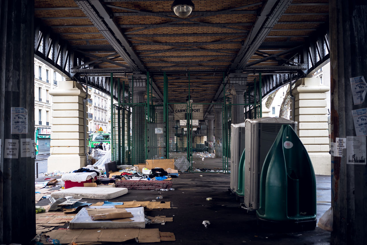 Expulsion of migrants in Paris. Only stay mattress, cover and clothes... Bridge Cover Covered Bridge Expulsion Mattress Migrant No People Paris Stalingrad Subway