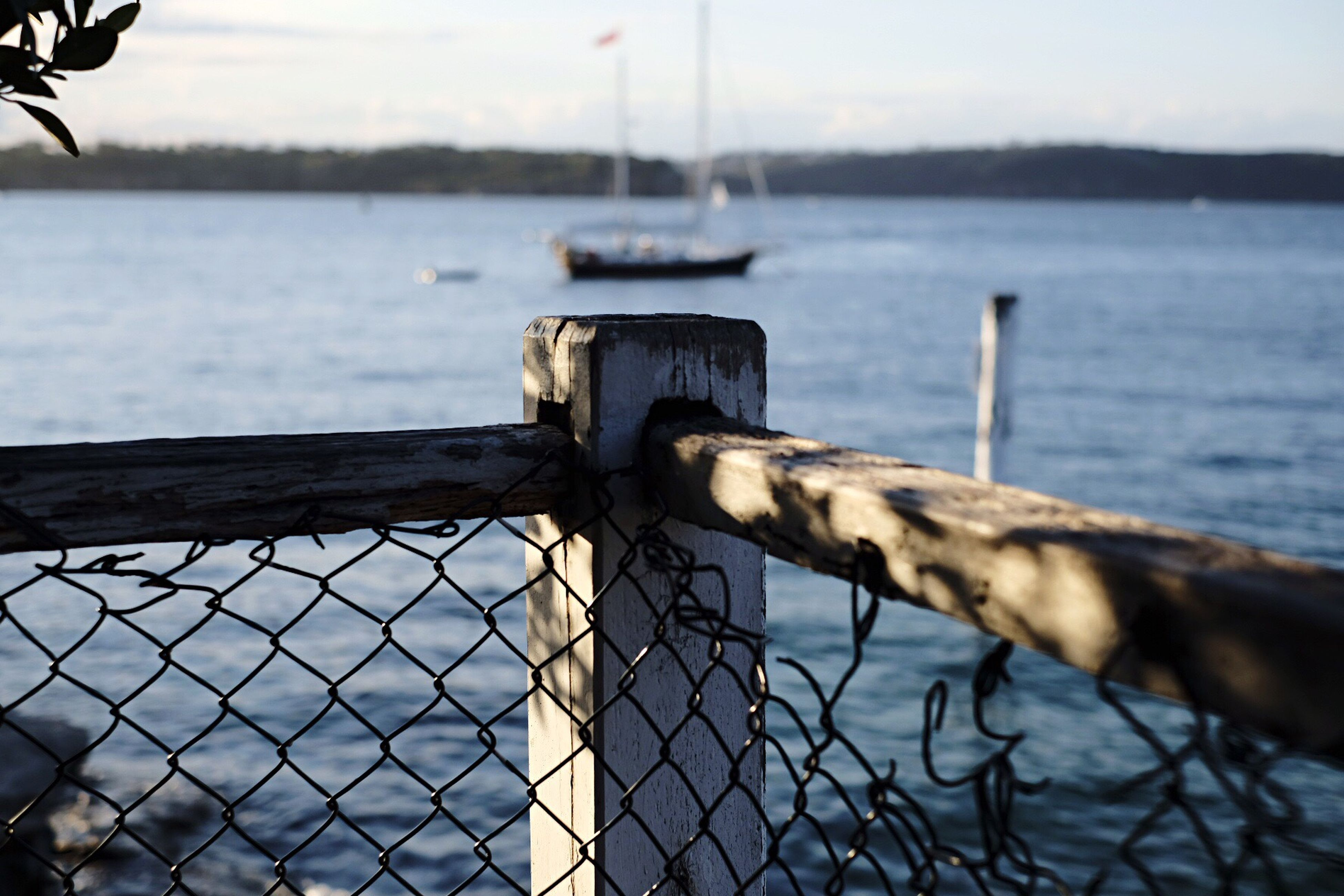 Fence Water Boat Foreground Background Depthoffield Waves Ocean