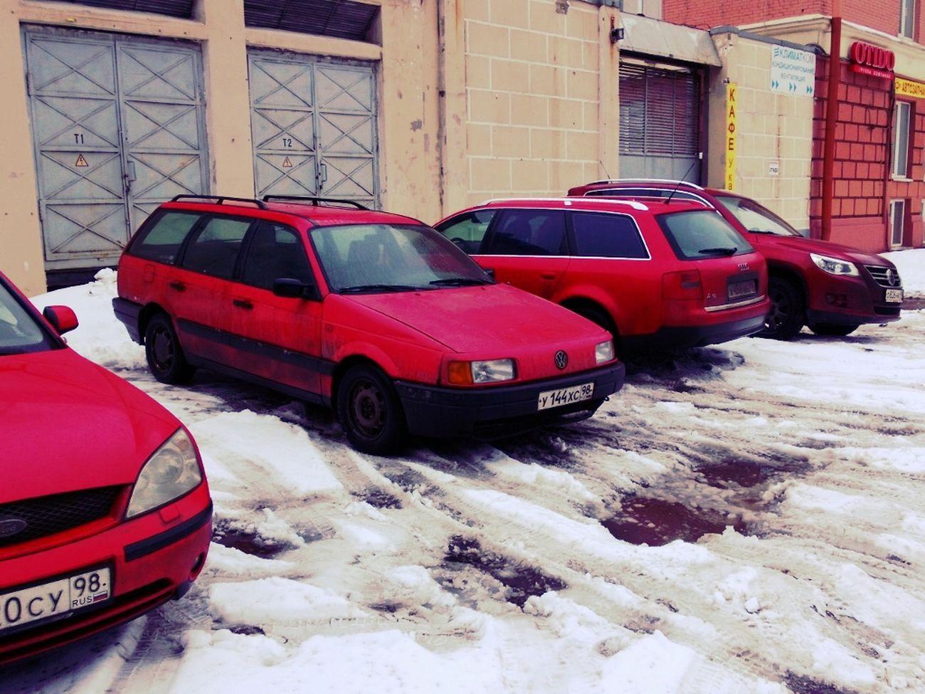 Красное на белом