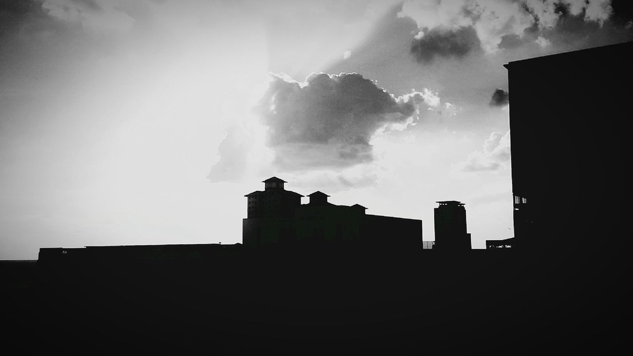 Missing being there... Travel Photography Traveling Blackandwhite Black & White Blackandwhite Photography Contrast Cityscapes Secondhome Streetphotography Sunset Streetphoto_bw Malaysia