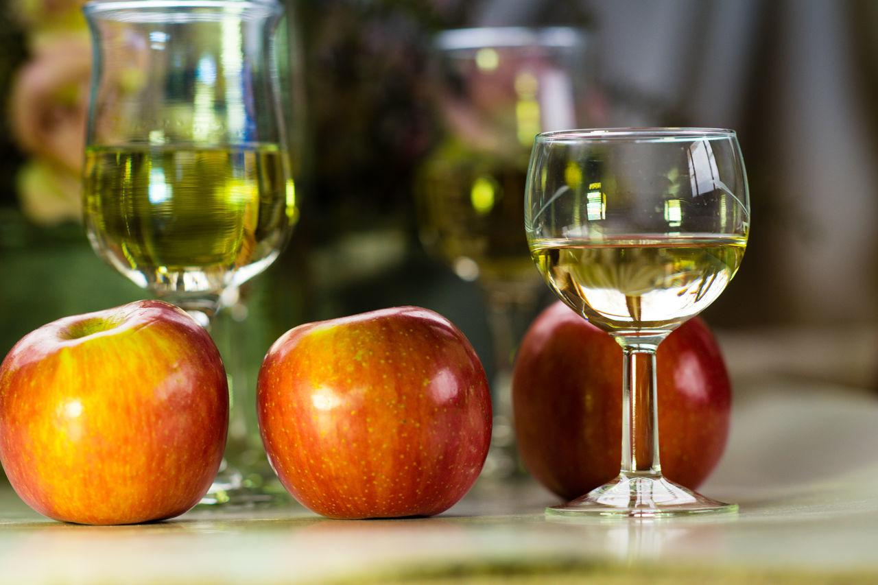 Liquid lunch Apple Wine Apples Liquid Lunch White Wine Wine Wine Glasses