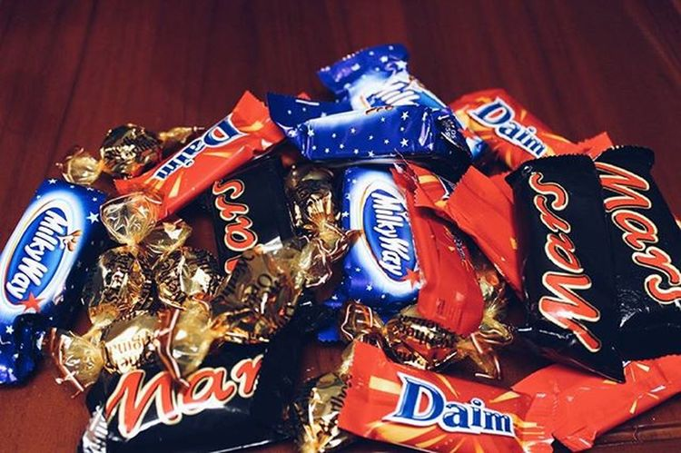 🍫🍬 Chocolate Candy Sweets Milk Tasty Yumm Nomnom Daim Mars Milkyway Gift Picoftheday Pics Instadaily Instafood Favorite Canon600D Canon CanonEOS600D Canonista Canon_photos Canonphotography