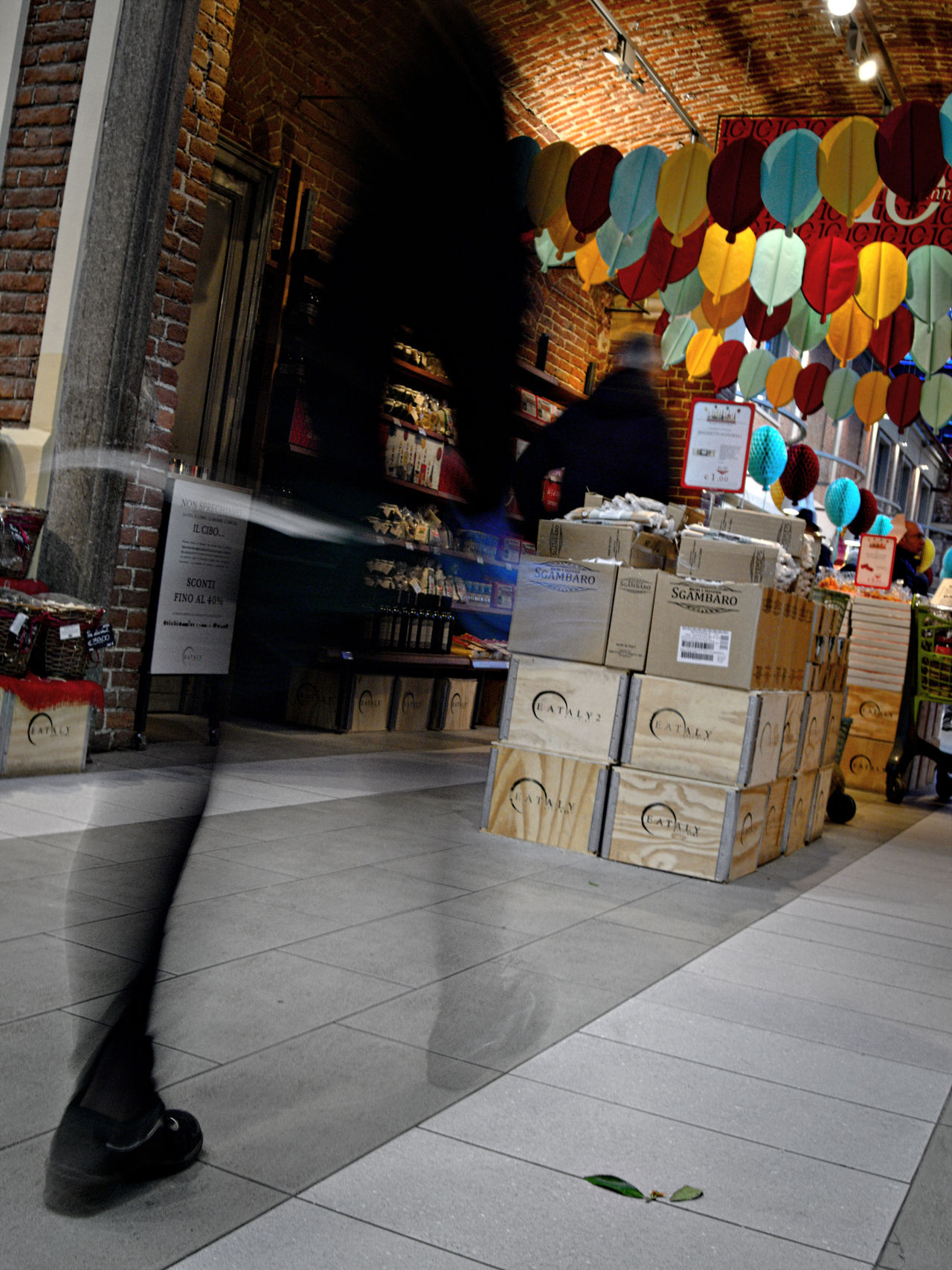 Crates Crates, Boxes, Wood, Wooden, Cargo Day Eataly Farmers Market Food And Drink Food Market Food Shop Indoors  Local Food Local Market Long Exposure People And Places People Walking  Slowfood