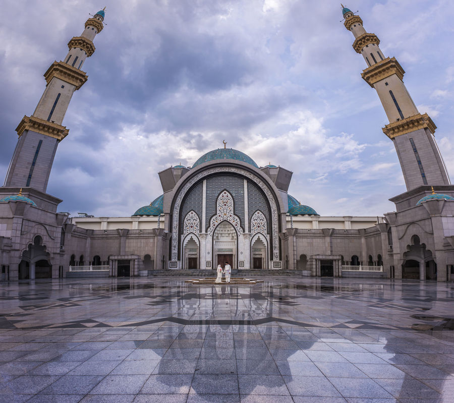 In front of the mosque. Arch Architectural Column Architecture Art Built Structure Capital Cities  Cloud Cloud - Sky Cloudy Dome Façade Famous Place History Husband And Wife International Landmark Islam Muslim Newlywed Portrait Reflection Sky Tourism Tourist Travel Destinations Wife