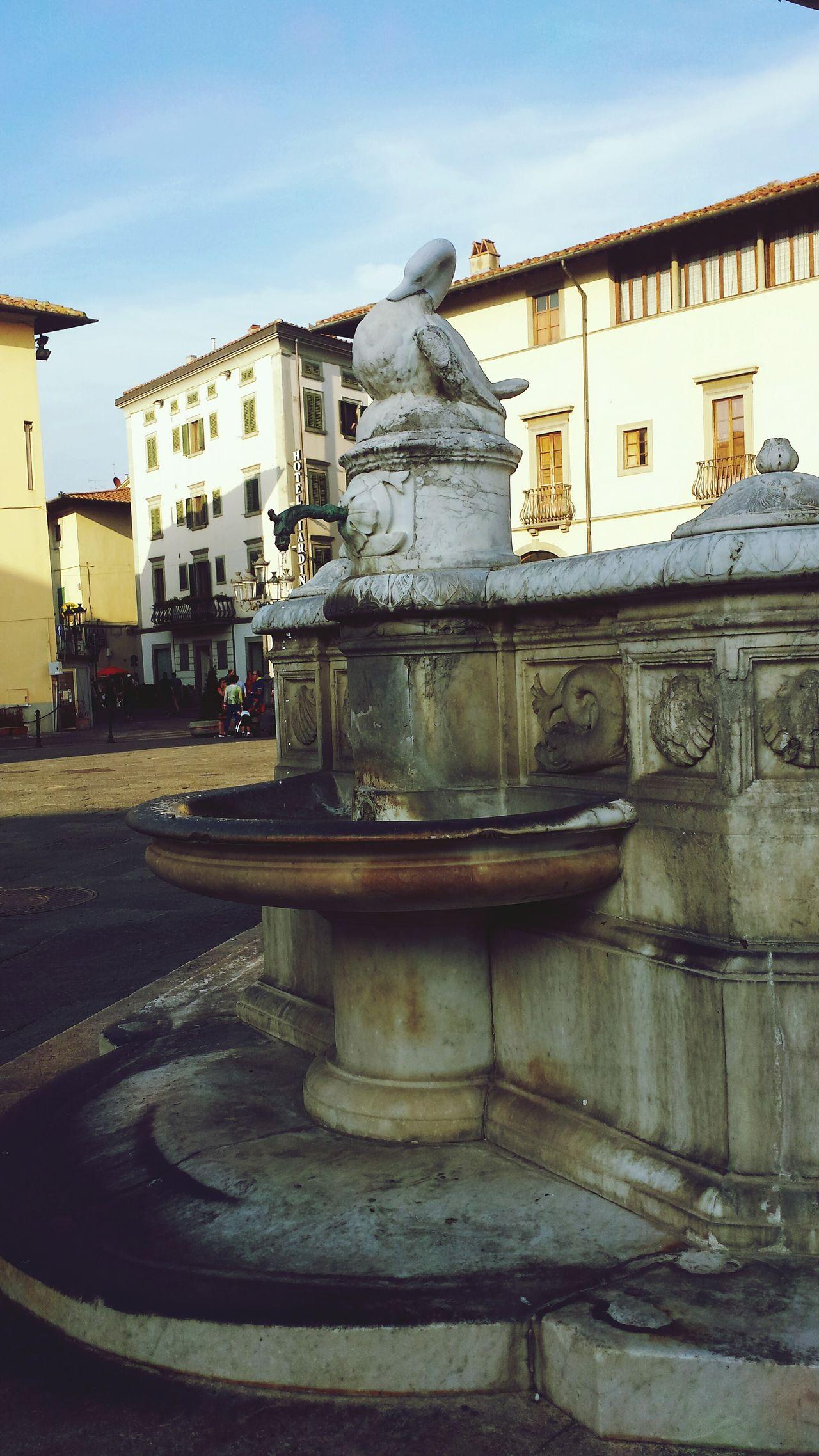 Estate❤ Cita Giorno Built Structure Fountain Water Architecture