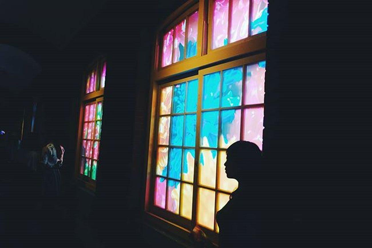 晚安世界 我們都應該給自己或他人一個機會,偶爾陶醉在彼此的世界裡,認識彼此,尋找彼此喜歡的事物,更透過彼此認識到自己的心是什麼模樣。 那...誰又是彼此呢。 Vscocam Moca Art Museum Photooftheday Instadaily Xhinmania Amazing Lightsandshadows Mikaninagawa Showcase April The Week Of Eyeem EyeEm Taiwan Taipei,Taiwan