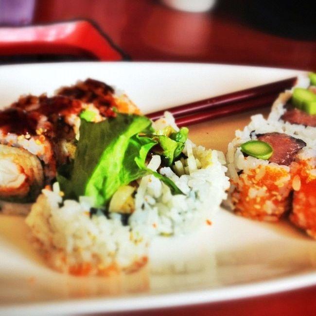 Snapseed Sushi Lobstertempura Mixedtunaroll lunch