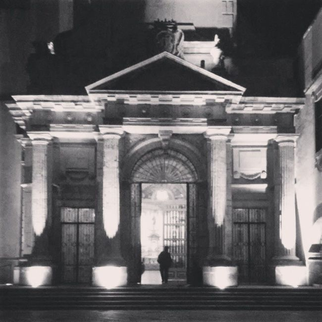 Aqui ya es de noche..... ??? Goodnighit Arquitectura Photography Blackandwhite Mexico CelayaGto like