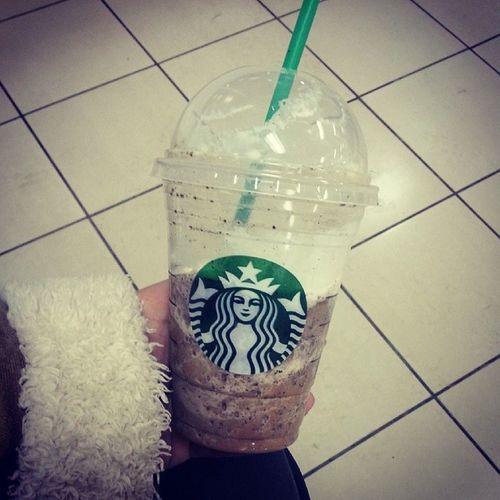 Just ordered a frappacinos & it is so good. Javachip  Frappacino Coffeedrink Mallofamerica Starbucks