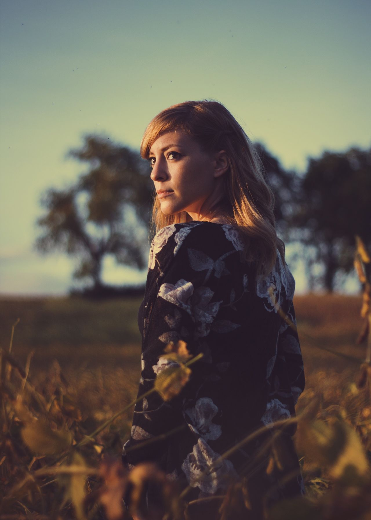 Wander Standing Young Adult Tree Casual Clothing Young Women Long Hair Front View Focus On Foreground Contemplation Human Face Person Hairstyle Messy