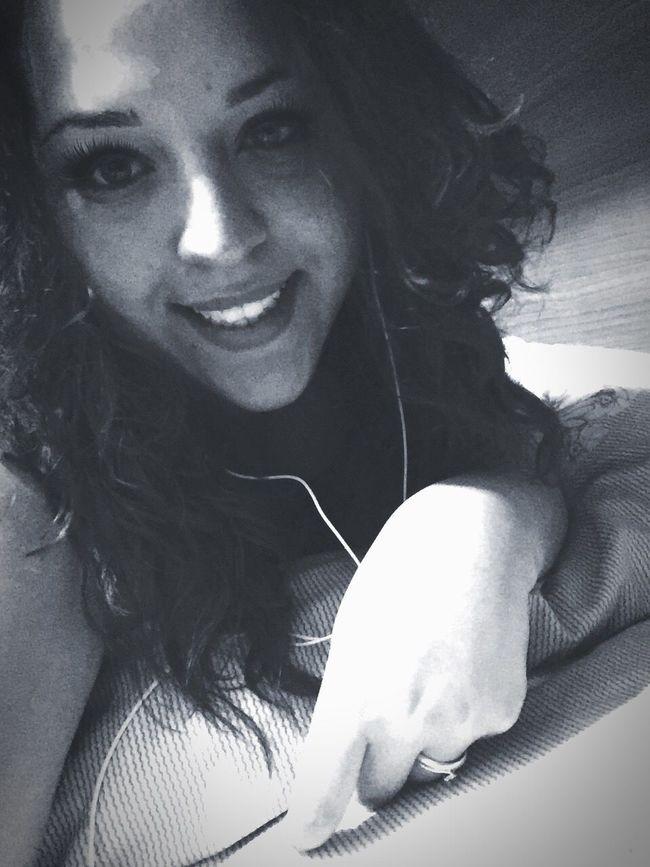 Buonanotte..❤️😊 OcchiettiBelli Happy Home Italy❤️ Woman Napoletana❤️ Kisses❌⭕❌⭕ Smile❤ Instafollow Occhioni Dolci Ogni Riccio Un Capriccio! Me Smile Girl Beautiful Girl A Domani 😘❤️ Buenas Noches! ❤ GoodNight ❤✌ Goodnight EyeEm ♥  Ricciavolontà