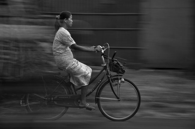 going back home Taking Photos Blackandwhite EyeEm Best Shots - Black + White Streetphotography Streetphoto_bw The Bicycle Diaries EyeEm Best Shots - The Streets On Your Bike The Action Photographer - 2015 EyeEm Awards The Street Photographer - 2015 EyeEm Awards