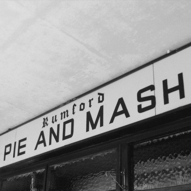 Pie & mash. My favourite Hanging Out Photography Cockney Beginnerphotographer Londonlifestyle Iloveeyeem Closeup Ilovephotography