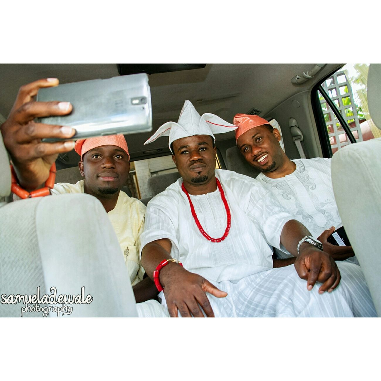 Goom and his friends taking selfie in the car. Groom Wedding Bridesmaides Groomsmen Groomsman Wedding Photography Picoftheday Photooftheday