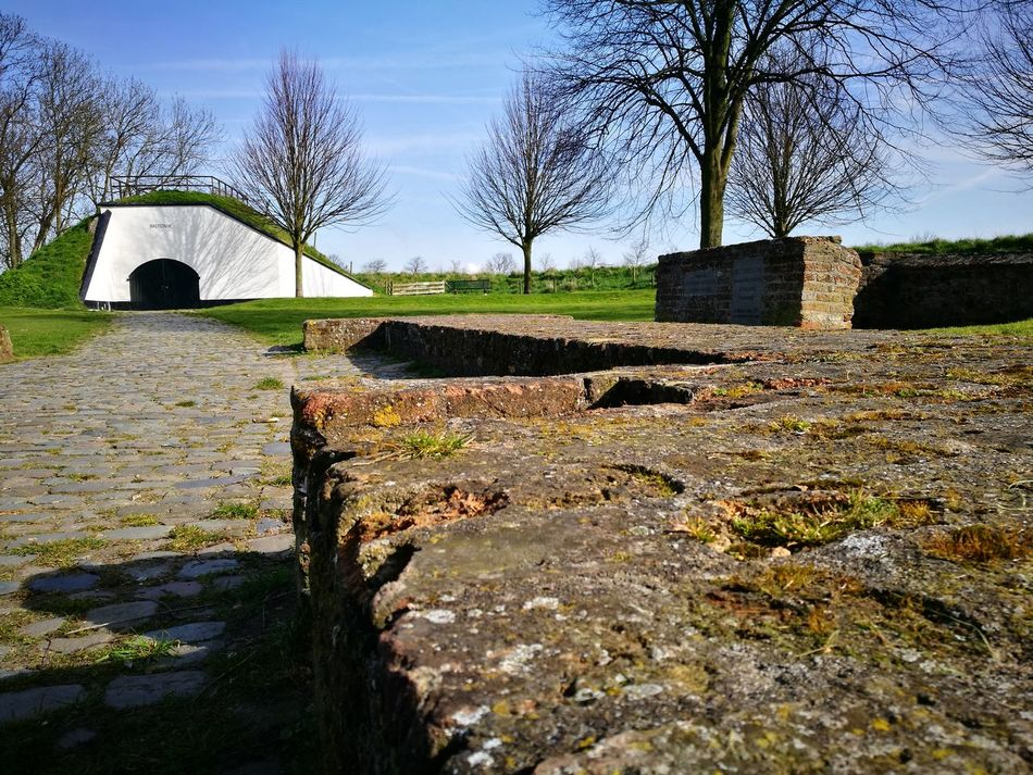Memorial Sunlight Rural Scene Bastion Old-fashioned Rustic Last Line Of Defence Rustic Style Low Angle View