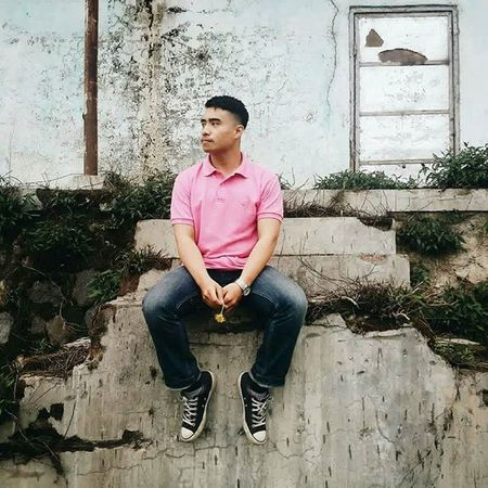 So I say a little prayer And hope my dreams will take me there Where the skies are blue To see you once again my love🎶🎶🎶 . . . Ootd Ootdindo Ootd Lookbook Lookbookindonesia Ootdindomen Exploremalang Malang Ootdmen Photooftheday Photoshoot Mensfashion Menstyle