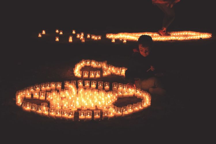 Night Illuminated Flame Heat - Temperature People One Person Outdoors Childhood Child EyeEm Selects Malephotographerofthemonth EyeEmNewHere EyeEm Gallery Check This Out Pedraza Pedrazart Noche De Las Velas En Pedraza Candles Candle Night Light And Shadow Goodnight Boa Noite Buenasnoches Exceptional Photographs The Week Of Eyeem Be. Ready.