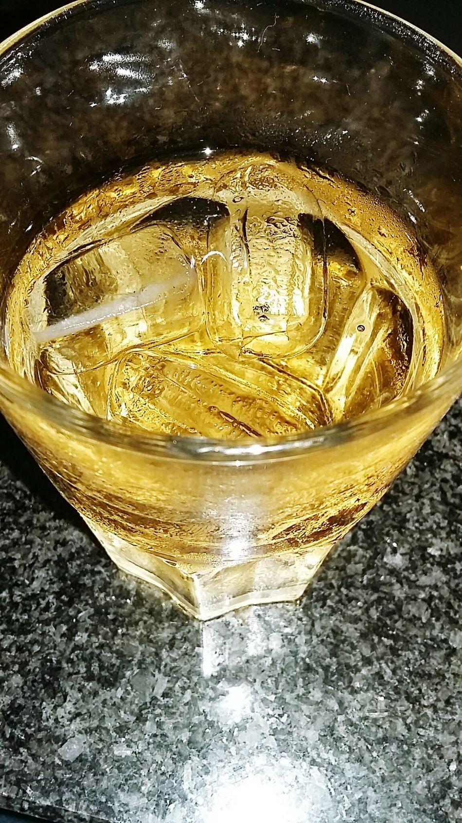 EyeEm EyeEm Gallery Taking Photos Relaxing Ice Ginger Ale Abkühlung Erfrischungsgetränk Golden Shot