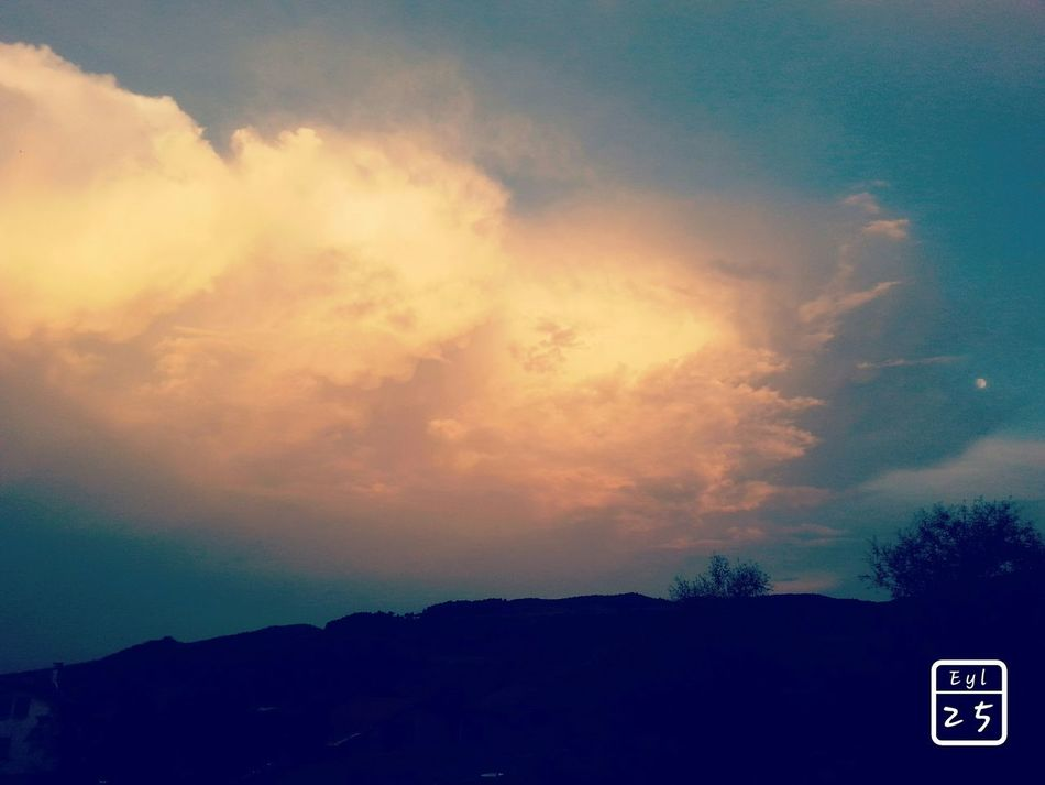 Hi! Helloworld HelloEyeEm Clouds And Sky Clouds Moon ılgaz Sun Sunshine