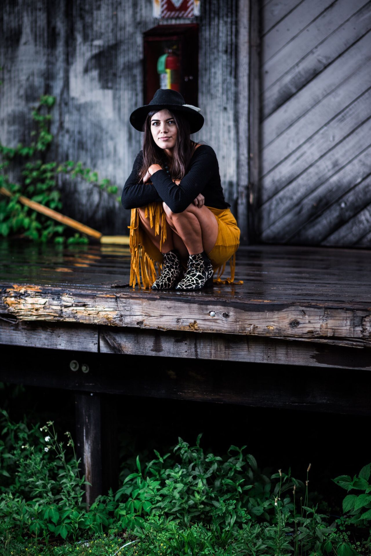 Beauty Wood - Material Only Women One Person Young Women Beautiful Woman Young Adult One Woman Only One Young Woman Only Beautiful People Adult Portrait Women Outdoors Adults Only People Sitting Portraits Portrait Of A Woman