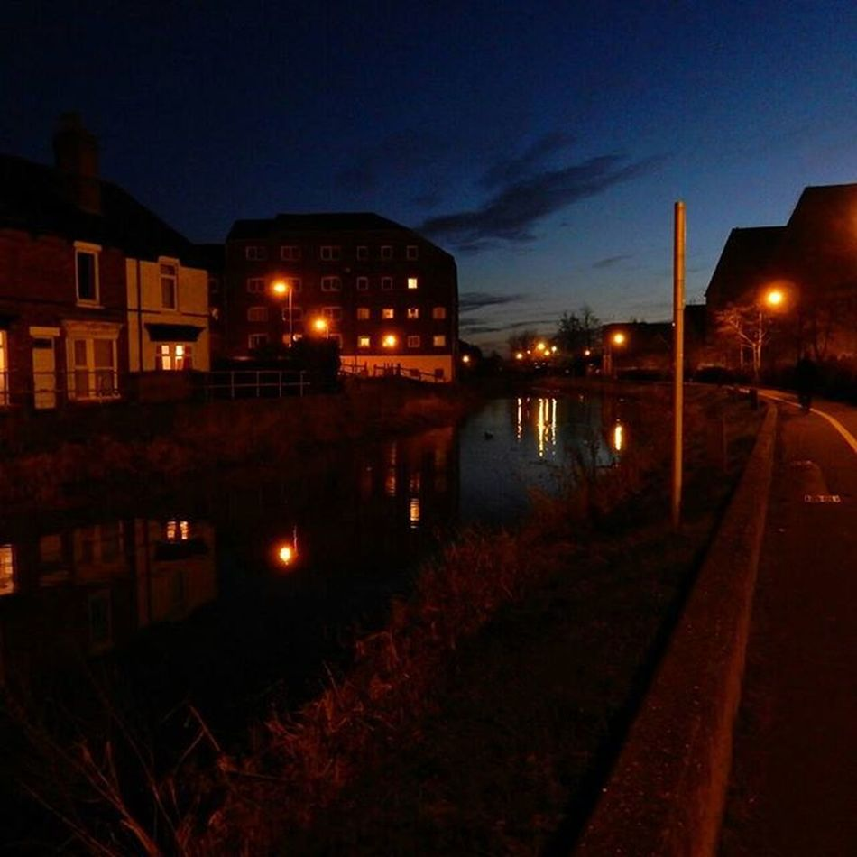 I really love my Cyclecommute home, I'm so lucky to be able to go along the @sustrans river path through Lincoln and see the beautiful Reflections ... Tonight was a cold but beautiful evening and so glad I have my Nikon S9900 which fits in my pocket to be able to really capture some of this. www.facebook.com/melaniecycles www.facebook.com/PrayerCycles Prayercyclesrides.wordpress.com Naturespeakstotheheart Landscapephotography Urbancycling Nightcycling Photography Photos Lifethroughalens Cyclephotography Urbanphotography Nightphotography Waterreflections  Prayercycle Cycling Bicycle Commutebybike Wintercycling