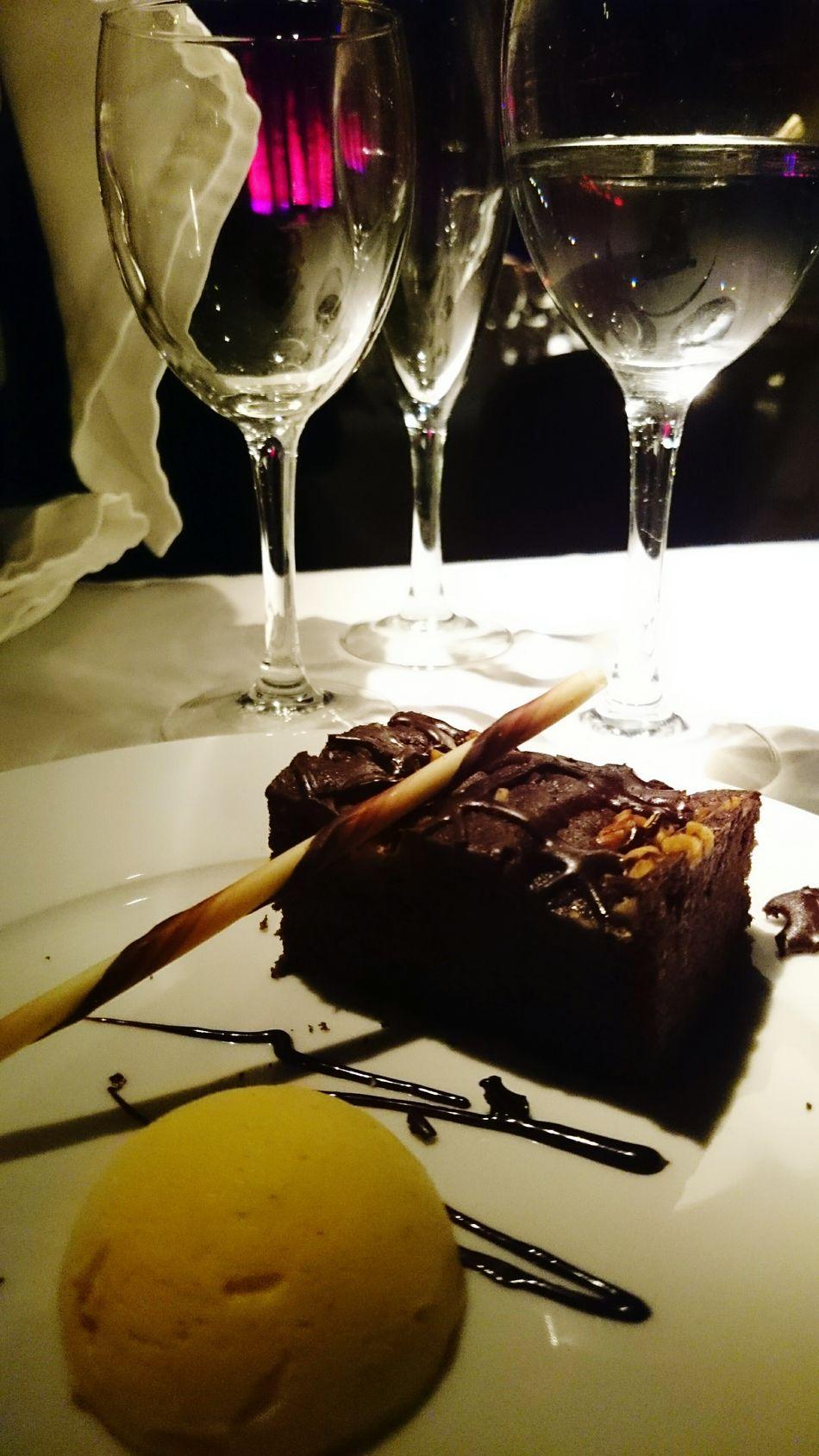 Foodporn Desert Beauty Brownie Chocolate Cake Ice Cream
