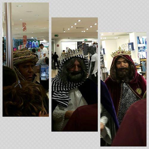 Casual en la tienda, los reyes magos... haciendo magia o_O