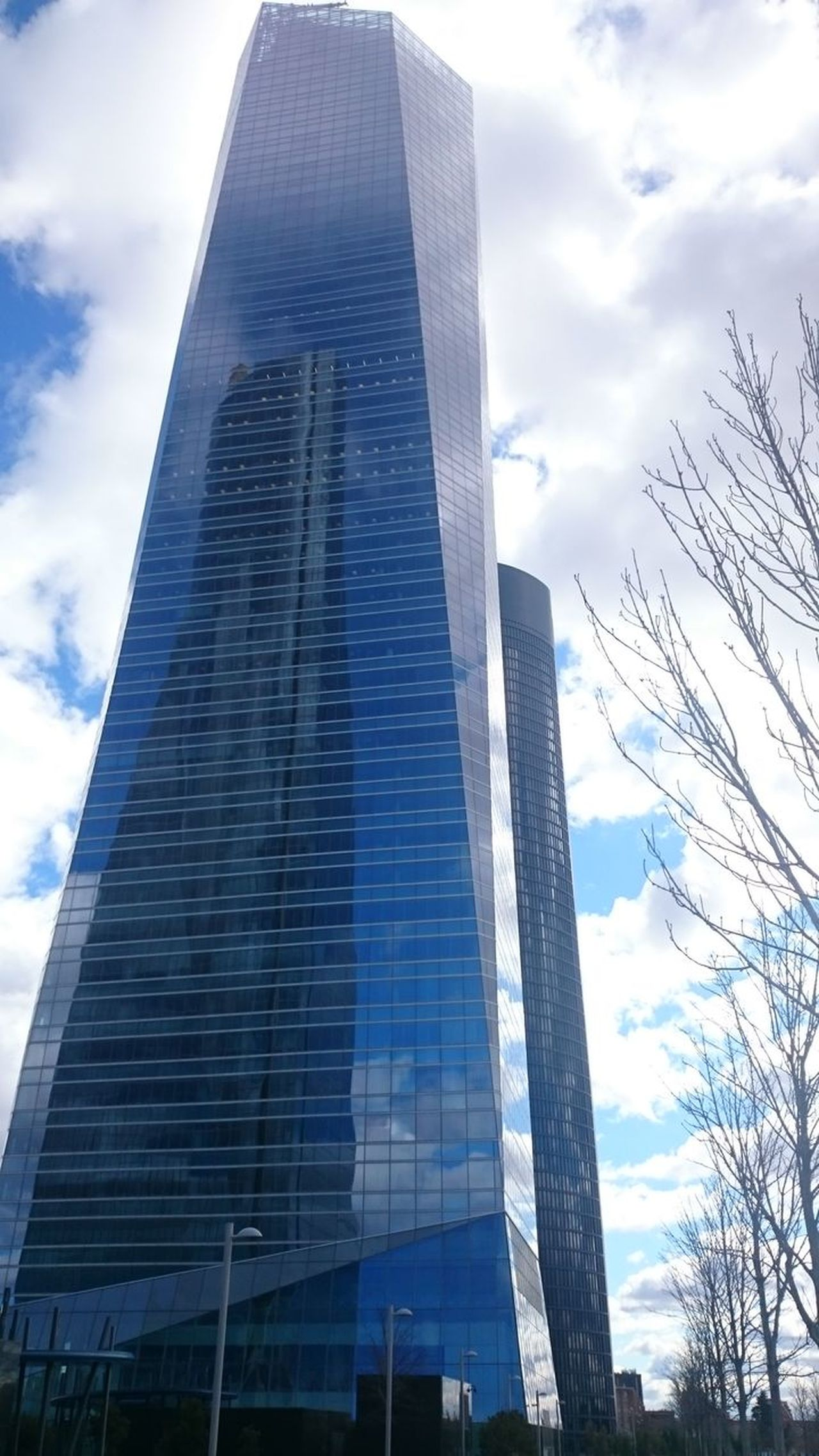 Q Quite A Lot Of Floors Arquitectura Madrid Architecture_collection Arquitectura Architecture Showcase March Torre De Cristal Cesar Pelli Skyscraper Sho