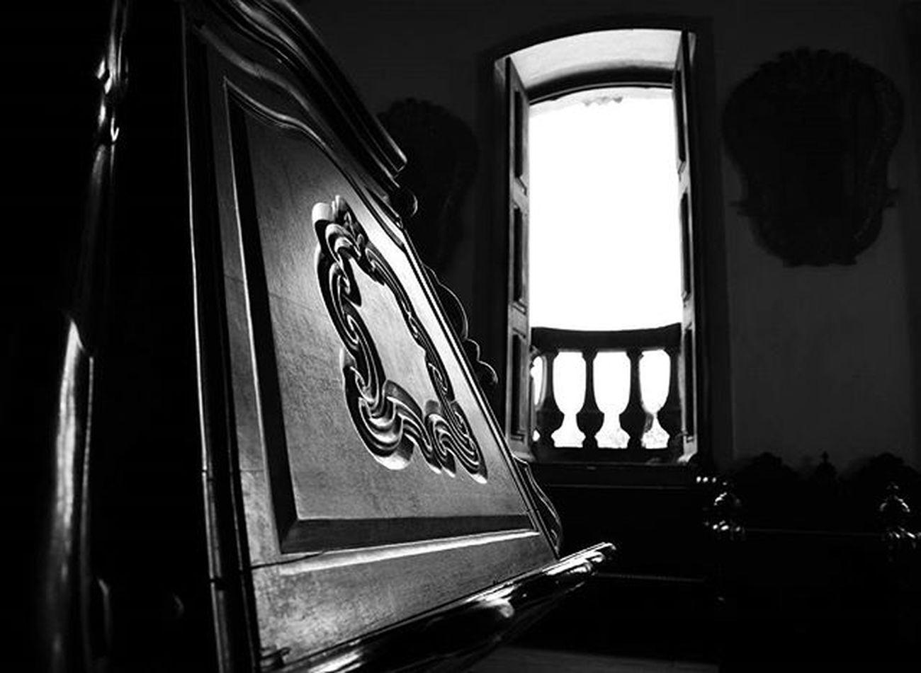 Photo Photographer Photograph Foto Fotografia Instagood Instafoto Instalike Instaphoto Instaphotography Light Luz Sombra Shadow Picture Portrait Instaportrait Igrejasaofrancisco Joaopessoa Paraíba Brazil Barroco Blackandwhite Instablackandwhite Pretoebranco