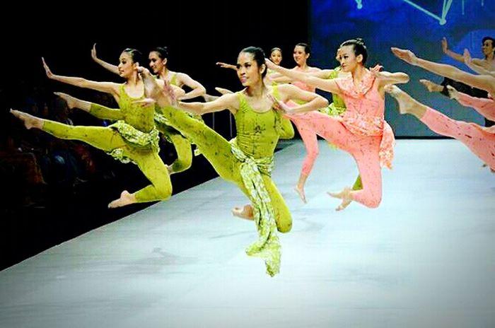 Dancing Balerinas