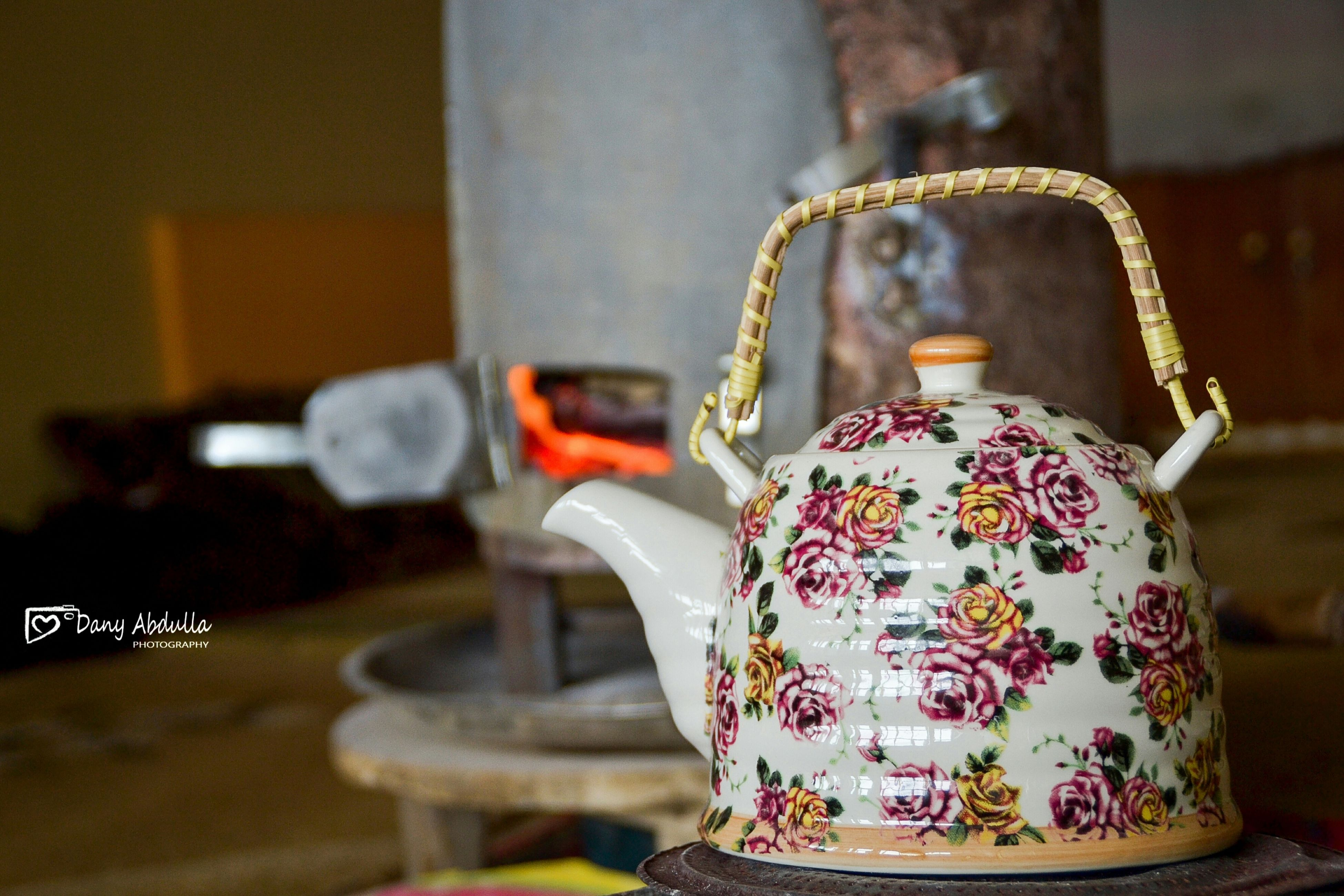 indoors, no people, teapot, close-up, day