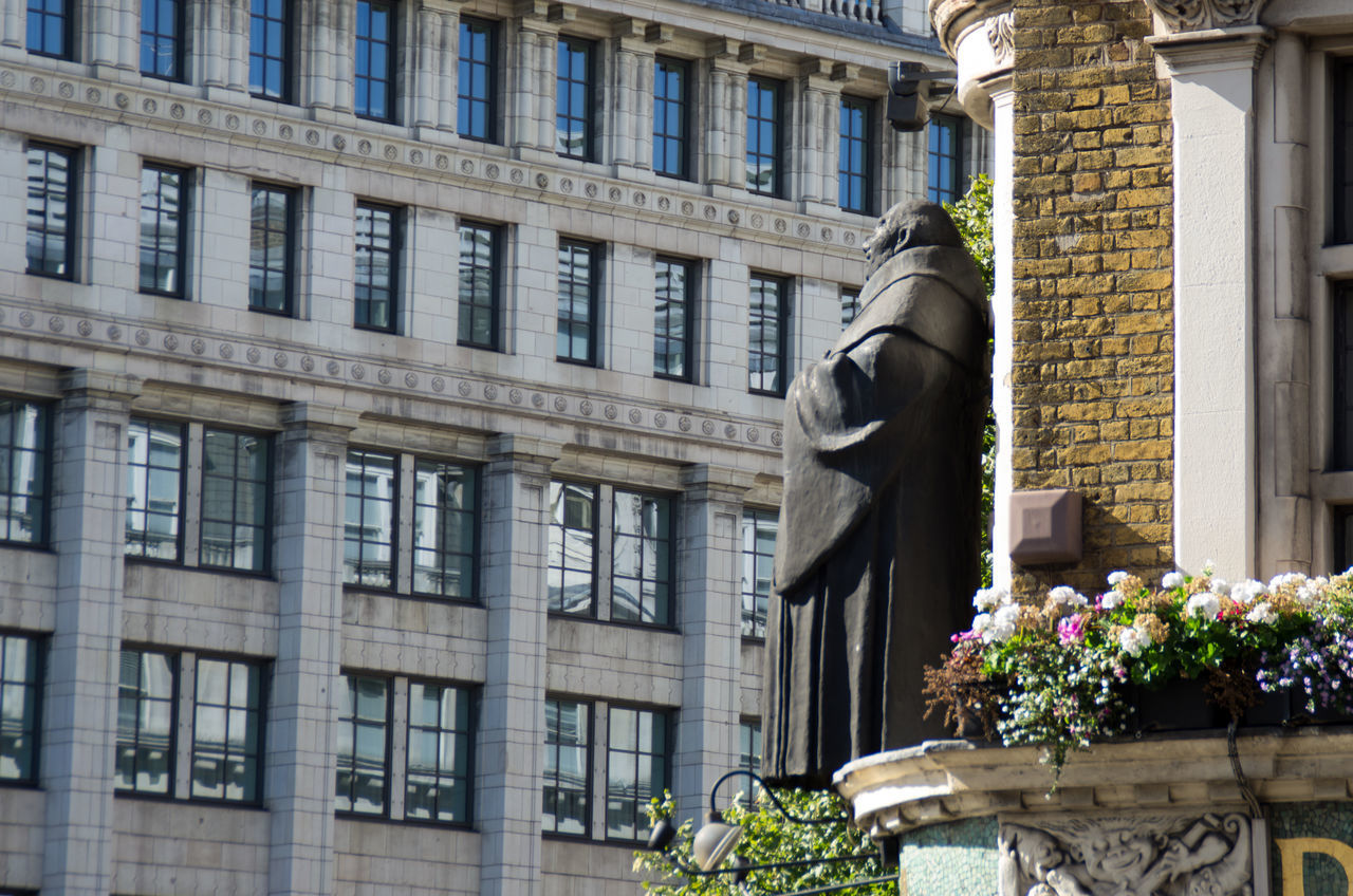 Cheerful Friar over the pub door :) Architecture Blackfriars Britain Building Exterior Built Structure City City City Life England Flower Friar London No People Office Block Photography Sculpture Statue Statue Summer Window