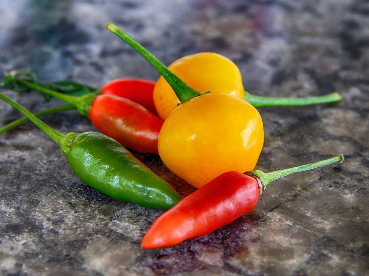 Chili  Close-up Colorful Food And Drink Freshness Green Color Group Of Objects Multi Colored Piment Pimenta Red Selective Focus Vibrant Color Yellow